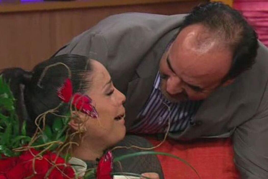 Alan Tacher le pidió a Karla que le dijera lindas palabras de amor a su...