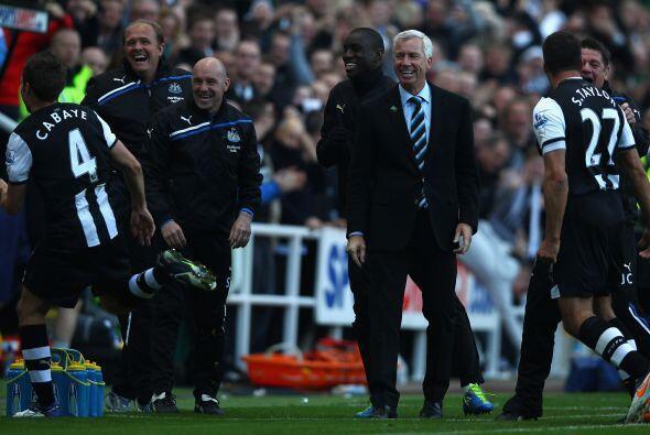Con la victoria, Newcastle quedó a 3 puntos del puntero.