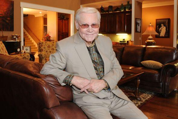 George Jones, cantante de música country murió tras ser ba...