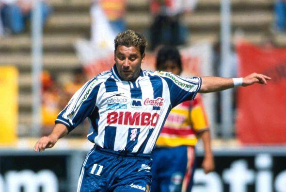 Para 1998 Antonio Mohamed probaría suerte con los Rayados de Mont...
