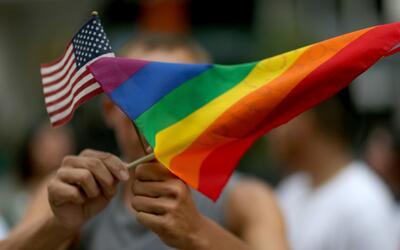 Marcha del orgullo gay se tomó las calles de Long Beach