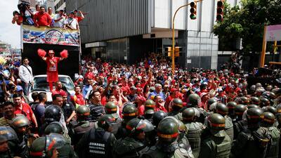Legisladores de la oposición venezolana reanudaron el debate de juicio p...