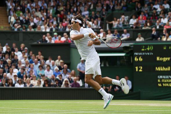 Federer se vio aparentemente recuperado de los problemas de espalda que...