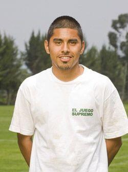 Christofer Montiel tiene 18 años y ve en el fútbol el mejo...