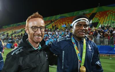 Fiyi homenajea a su coach de Rugby Seven