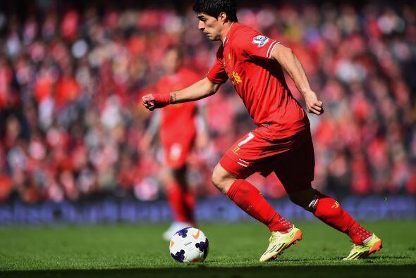 Las principales bajas del Liverpool son Luis Suárez y Reina. A pesar de...