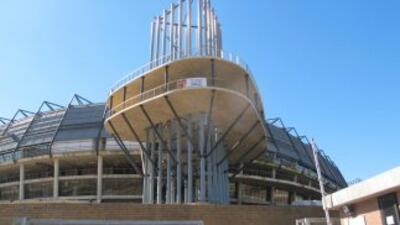 Vista parcial de la entrada principal al estadio mundialista, allí se re...