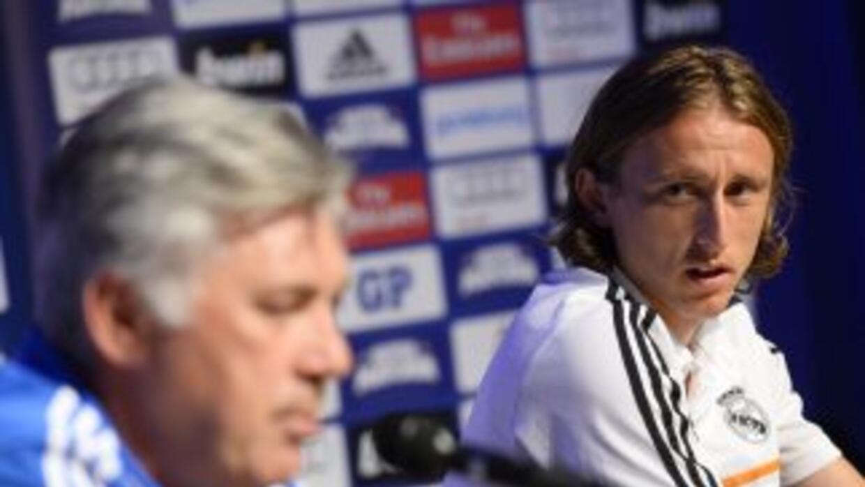 El técnico italiano no ve como una opción la salida de Modric para que p...