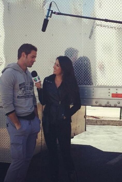 """""""My kind of #Friday! Set visit at #TermLife with #WilliamLevy"""", contó Ma..."""