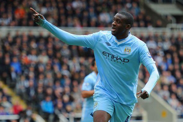 Touré marcó los dos tantos con los que el City venci&oacut...