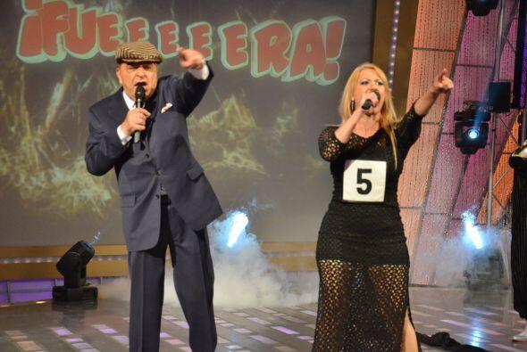 Don Francisco vive al máximo la presentación de Iraima D&i...