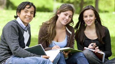Si tu promedio académico es sobresaliente entonces tú puedes ser uno de...