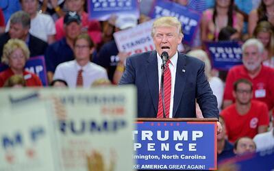 """Trump: """"La segunda enmienda"""" podría detener a Clinton"""