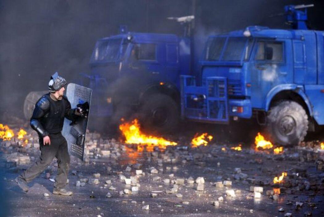 Yanukóvich también acusó a la oposición de generar violencia con objeto...
