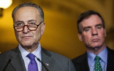 """El senador Schumer califica de """"despreciable"""" la posible movilización de..."""