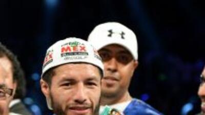 Jhonny González tendría una pelea antes de enfrentar a Abner Mares.