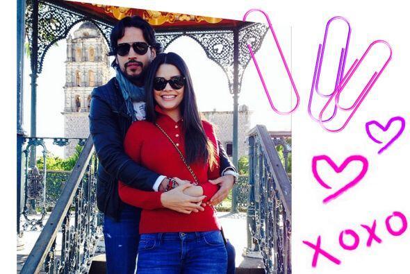 ¡Esta pareja tiene futuro! Les deseamos siempre lo mejor y qué viva el a...