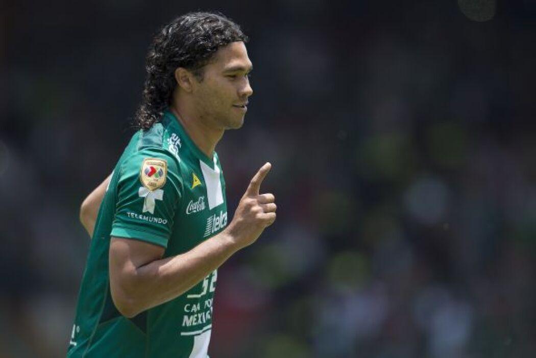 Carlos Peña ha destacado en los últimos torneos por su poder en la ofens...