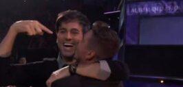Enrique Iglesias recibió esta muestra de cariño por parte de su gran ami...