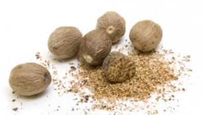 La nuez moscada también tiene propiedades medicinales y afrodisíacas.