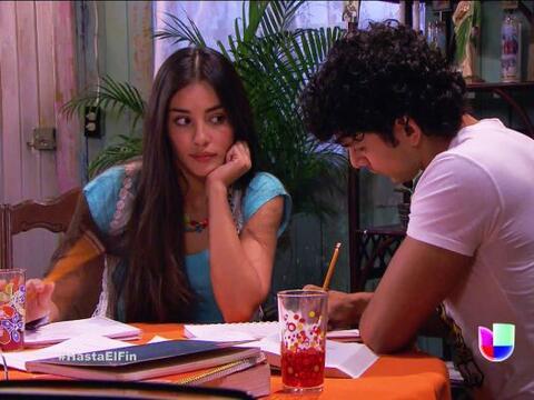 ¡Qué ojitos le estás echando a Lucas, Marisol! Se ve...
