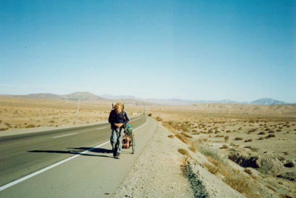 El paseo caminando solo a través de América son más de 3,500 millas de l...