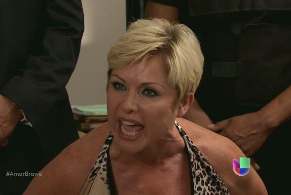 """Isadora es una asesina profesional en """"Amor Bravío""""."""
