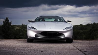 El DB10 reinterpreta acertadamente las líneas clásicas de Aston Martin.