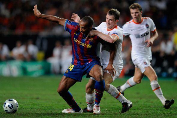 Barcelona sumó otra supercopa a sus vitrinas en el 2009 al vencer...