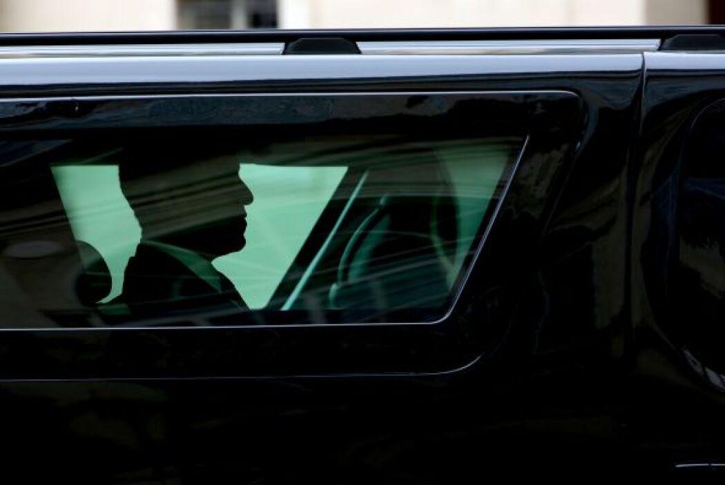 En medio de fuertes medidas de seguridad y el cortejo presidencial estab...