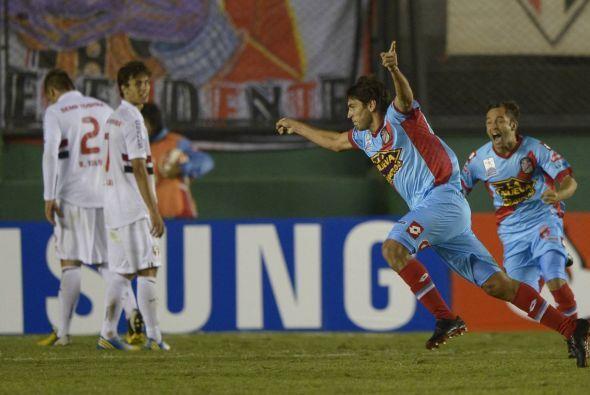 En tanto en Buenos Aires y por el Grupo 3 Arsenal derrotó al Sao Paulo 2...