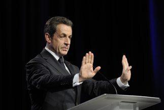 Sospechan que el expresidente francés utilizó facturas falsas para super...