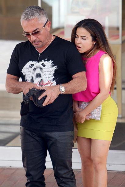 "Cesar Millán, el ""Dog Whisperer"", ya tiene nueva novia, vestida bastante..."