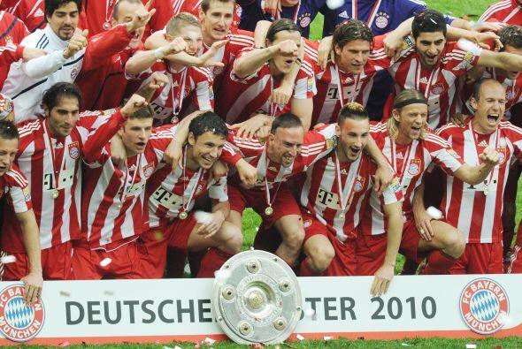 El Bayern Munich se levantó oficialmente como el Campeón d...