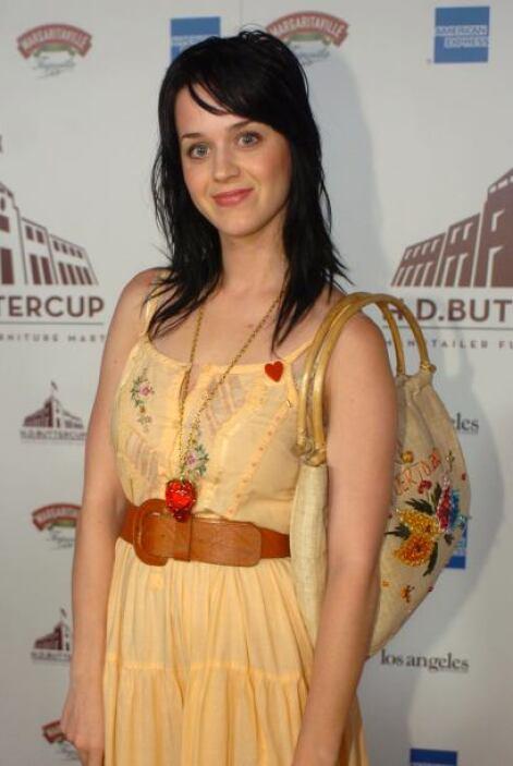A pesar de todo eso, Katy lucía un rostro angelical con el que lograba c...