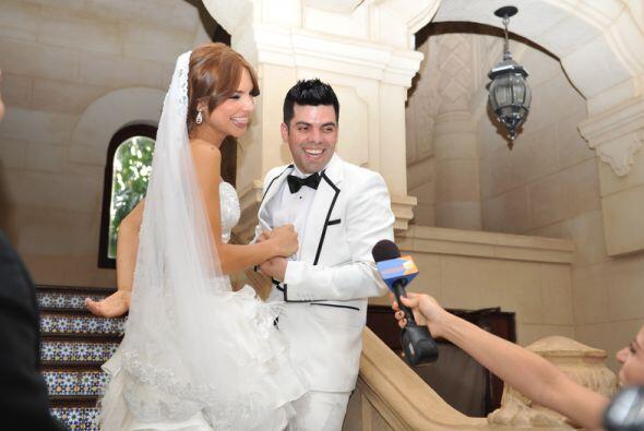 Alejandra quiso una boda pequeña y familiar y 45 familiares suyos...