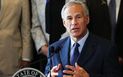 Gobernador de Texas firma una ley que protege los sermones religiosos de...