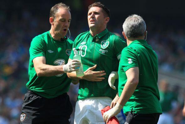 ¿Será que la comida no le cayó bien a este jugador de Irlanda?