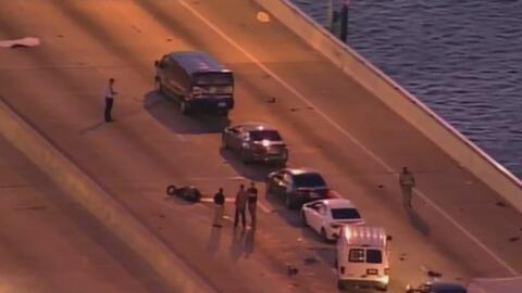Accidente en el viaducto Julia Tuttle donde fallecieron tres personas si...