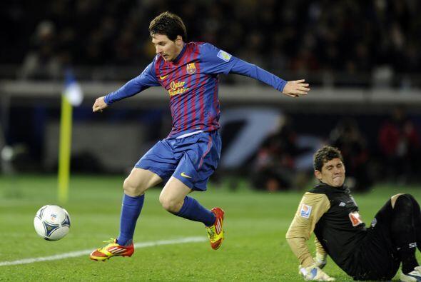 Messi es el primer jugador en la historia del fútbol que marca y asiste...