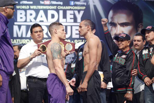 Orlando Salido detuvo la fiel de la balanza en 126 libras, la frontera d...