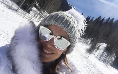 Karla Martínez esquiar familia