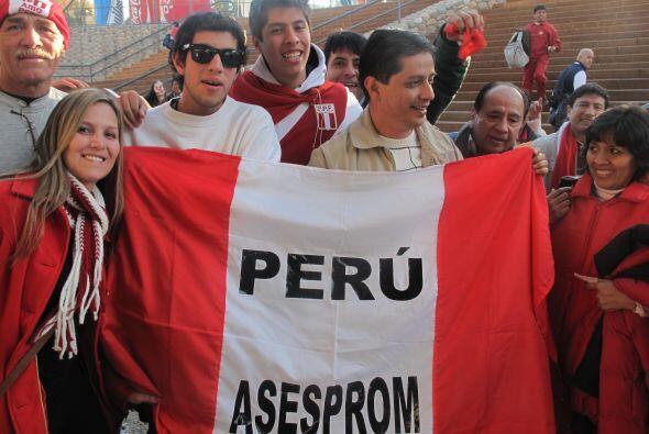 Por supuesto la afición peruana también estuvo presente y...