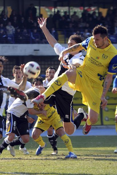 Parma se metió a la casa del Cheivo Verona.
