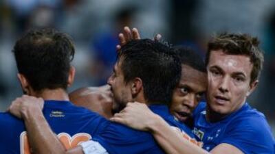 Cruzeiro lidera por décima fecha consecutiva el brasileirao.
