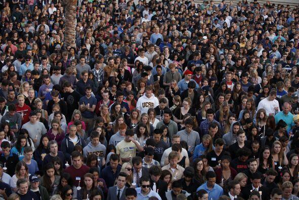 Así se veía una toma aérea de la cantidad de estudiantes que asistió.