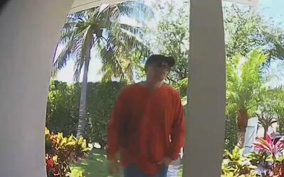 Un hombre quedó captado en cámara cuando entró aparentemente a robar una...