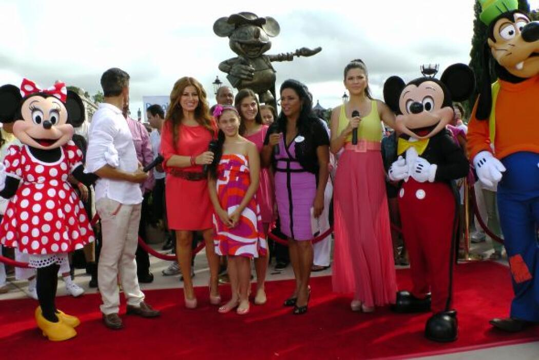 Reportajes, entrevistas, música y los personajes de Disney en este festejo.