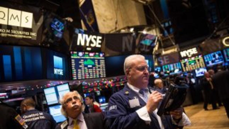 El derrumbe de los precios de crudo en el mundo llevo a Wall Street a fi...