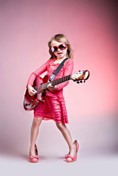 Canta como una super estrella: Nuestros niños cantan con intensid...